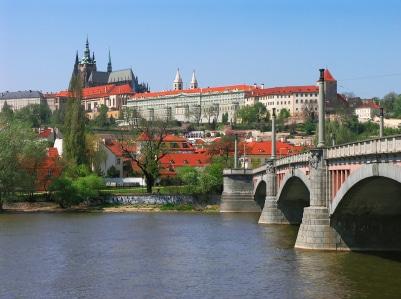 Sie Sicht auf die Prager Burg. (Quelle: istockphoto)