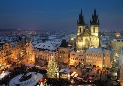 Abends blüht die tschechische Hauptstadt richtig auf. (Quelle: istockphoto)
