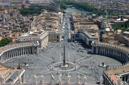 Der Petersplatz in der Vatikanstadt. (Quelle: istockphoto)