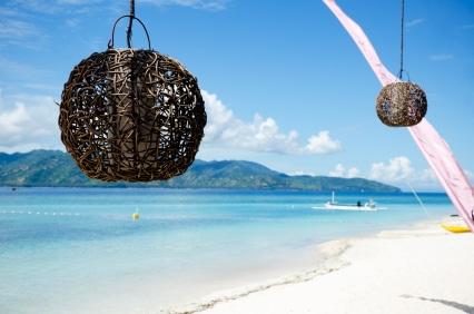Besonders Reiseziele am Strand und Meer sind bei Jugendlichen heiß begehrt. (Quelle: istockphoto)