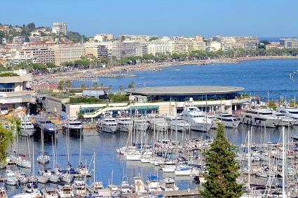 Der Hafen von Cannes (Quelle: istockphoto)