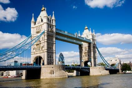 Die über 240 Meter lange Tower Bridge, die über die Themse führt. (Quelle: istockphoto)