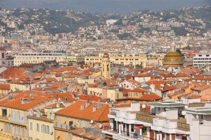 Ein Blick auf die typisch roten Dächer Nizzas