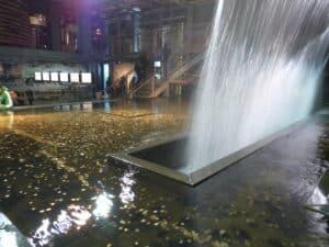 Wasserspiel am Guinness Storehouse. (Quelle: privat)