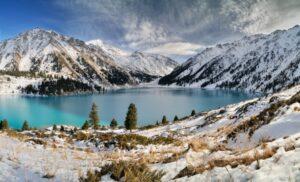 See im Transili-Alatau-Gebirge nahe Almaty (Quelle: istockphoto)