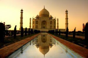 Der eindrucksvolle Taj Mahal (Quelle: istockphoto)