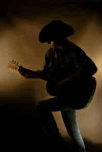 Country Musiker mit Gitarre