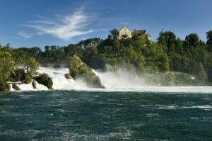 Der Rheinfall bei Schaffhausen (Quelle: Fotolia)